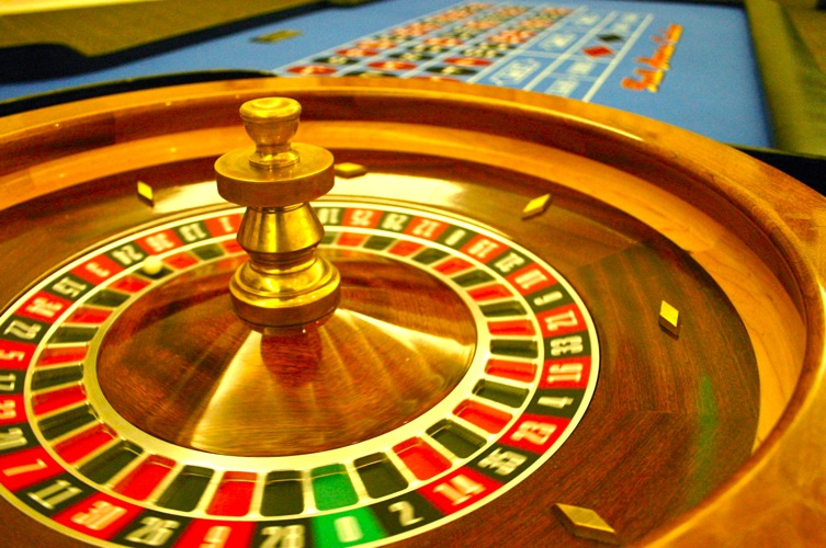 Roulette table rentals full house casino party rentals - Table a roulette ...